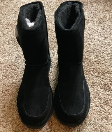 Photo Mens ugg shearling fur lined winter insulated boots - $55 (Oklahoma City)