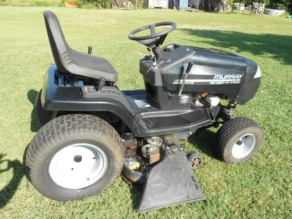 Photo Murray Lawn Mower - $475 (choctaw)