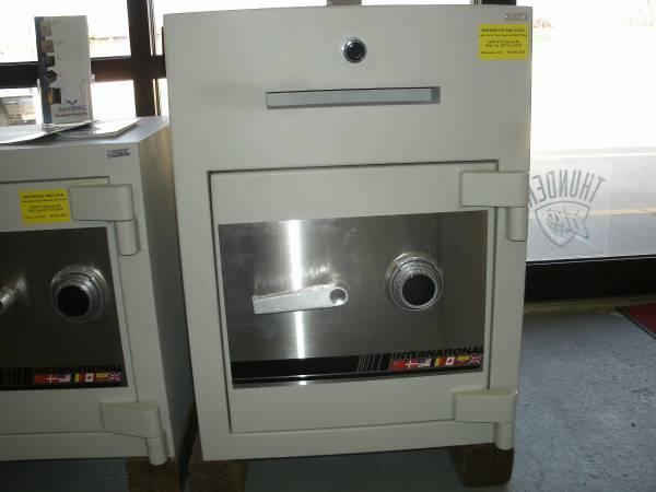 Photo NEW International Drop Safe - $2,000 (N.W. Oklahoma City)