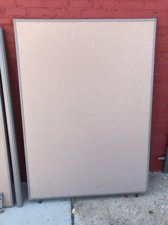 Photo Office Depot Bush Partition Walls 5ft w x 66quot tall Space Dividers (Har - $125 (Oklahoma City)