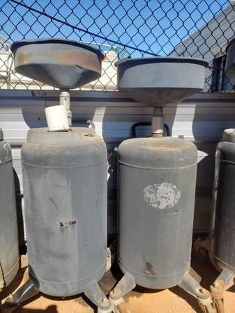 Photo Oil drain dolly 30 gallon - $45 (Oklahoma city)