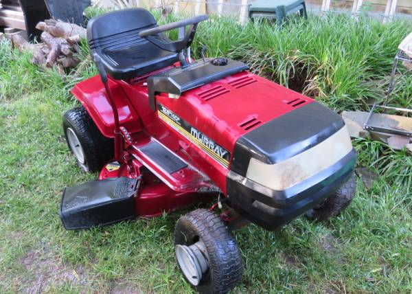 Photo Parts -- MURRAY RIDING MOWER - $1 (Norman)