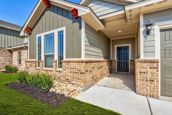 Photo Start the Holidays Right with this NEW HOME  $0 Down  (Easy Commute to University of Oklahoma)