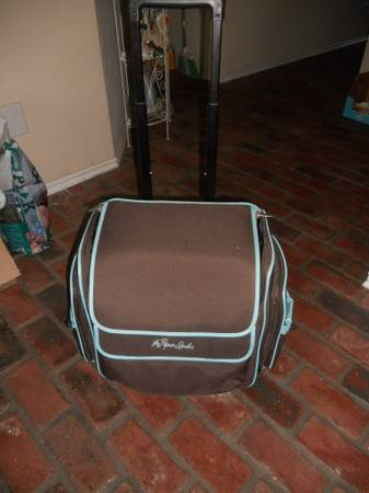 Photo THE PAPER STUDIO SEWINGARTS AND CRAFT ROLLING TRAVEL BAG - $20 (SW MOORE OKLAHOMA)