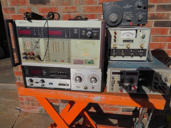 Photo Vintage Electronic Test Equipment - $1 (Norman)
