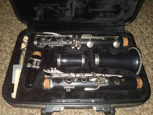 Photo Yamaha Clarinet YCL-200AD - $200 (Moore)