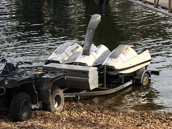 Photo Yamaha superjet stand up jet ski - $2000