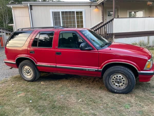 Photo 1996 Chevy Blazer LOW MILES - $2,800 (Beaver)