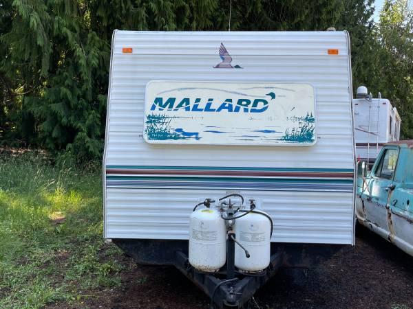 Photo 1998 Mallard 29ft slide out travel trailer Needs work - $1,950 (Portland)