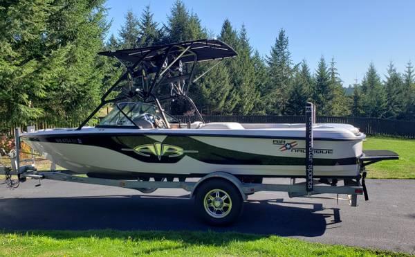 Photo 2001 Correct Craft AIR NAUTIQUE 21 25th Anniversary Ski Boat WTrailer - $26,999 (Panther Lake)