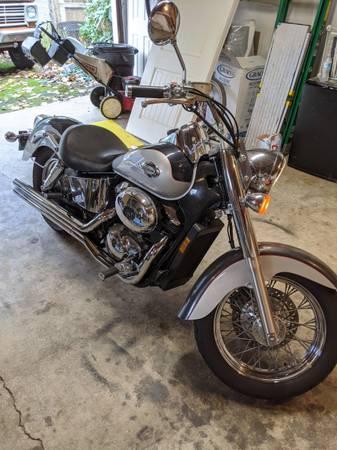 Photo 2003 2003 Honda Shadow ACE Deluxe 750 - $2,900 (Portland)