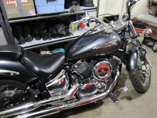 Photo 2005 Yamaha V-Star 1100 - $2,500 (Sequim)