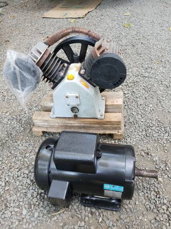 Photo 5 hp motor  twin cylinder air compressor pump - $200 (Port Townsend)