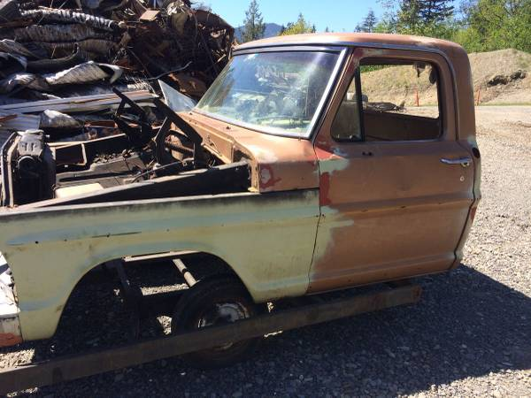 Photo 60s Ford cab - $300 (Port ANGELES)