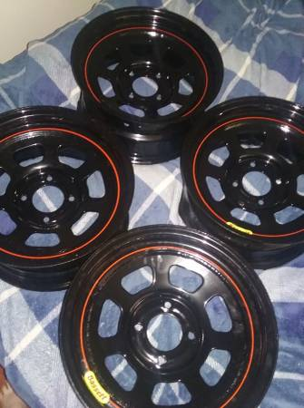 Photo 90-97 Accord parts  15x7 4x114.3 wheels - $123 (Port Angeles)
