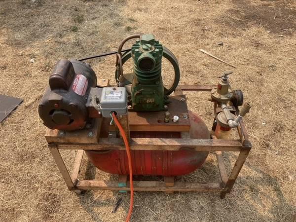 Photo Air compressor, 34hp motor - $65 (Port Townsend)