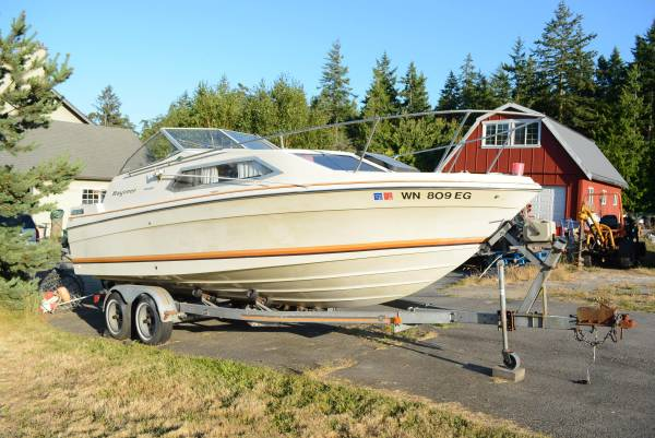 Photo Bayliner 2339 boat project - $1,200 (Port Townsend)