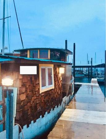 Photo Custom Craftsman Houseboatwith Liveaboard Moorage - $21,500 (Olympia)