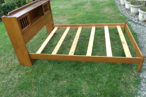 Photo Ethan Allen Heirloom Solid Wood FullDouble Mid Century Bed Frame - $269 (Port Townsend)