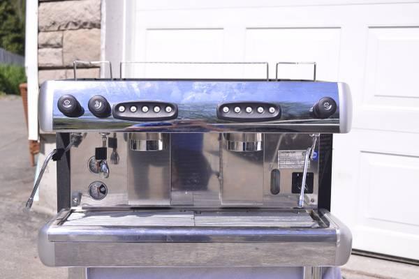 Photo Grindmaster --AutomaticSemi-Automatic Two Group Espresso Machine - $1,800 (Seattle)