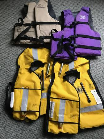 Photo Life vests Fishing Vests - $50 (Port Ludlow)