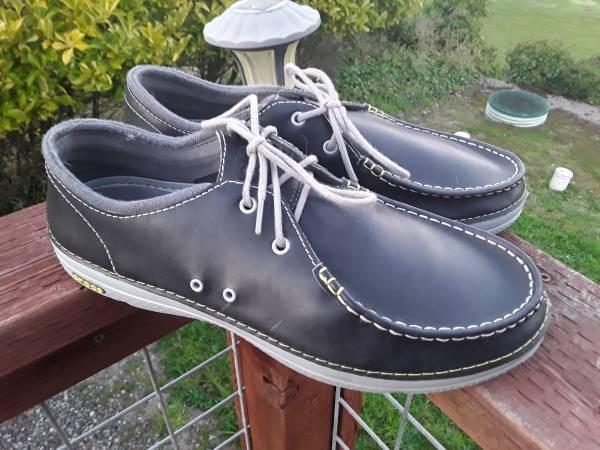 Photo Mens size 13 CROCS deck style shoes like new - $25 (Port Angeles)