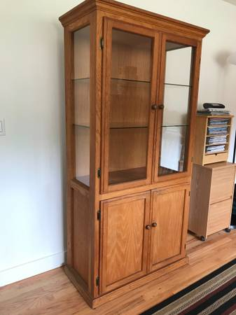 Photo Oak hutch with glass doors - $120 (port townsend)