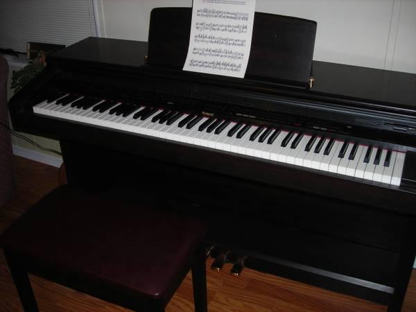 Photo PIANO Roland Digital 88 key - $175 (Sequim)