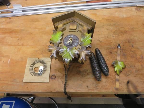 Photo Small Cuckoo Clock partsrepair - $30 (SEQUIM)