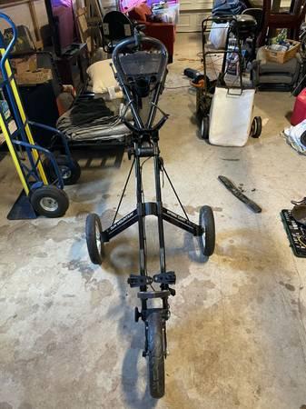 Photo Sun Mountain Speed Cart V1 3 Wheels Folding Golf Cart Caddy Pull Cart - $110 (sequim)
