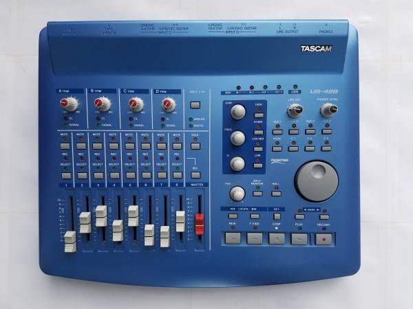 Photo Tascam US-428 Digital Audio Workstation Midi Controller - $150 (Renton)