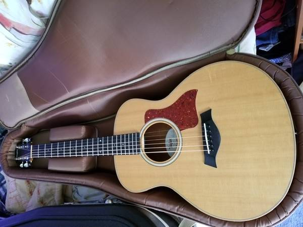 Photo Taylor GS Mini Acoustic Guitar - $375