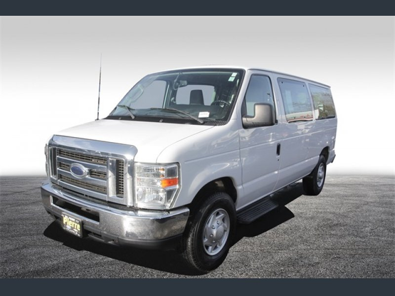 Photo Used 2014 Ford E-350 and Econoline 350 XLT for sale