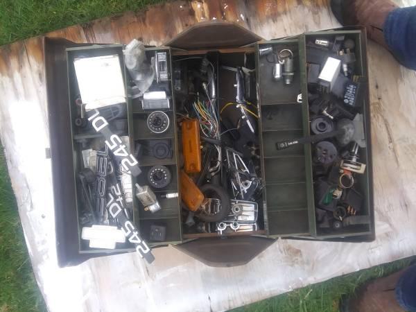 Photo Volvo 240 grab bag box - $50 (Port Hadlock)