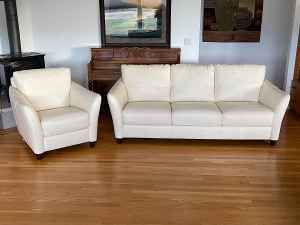 Photo White Leather Sofa  Chair - $800 (Sequim)