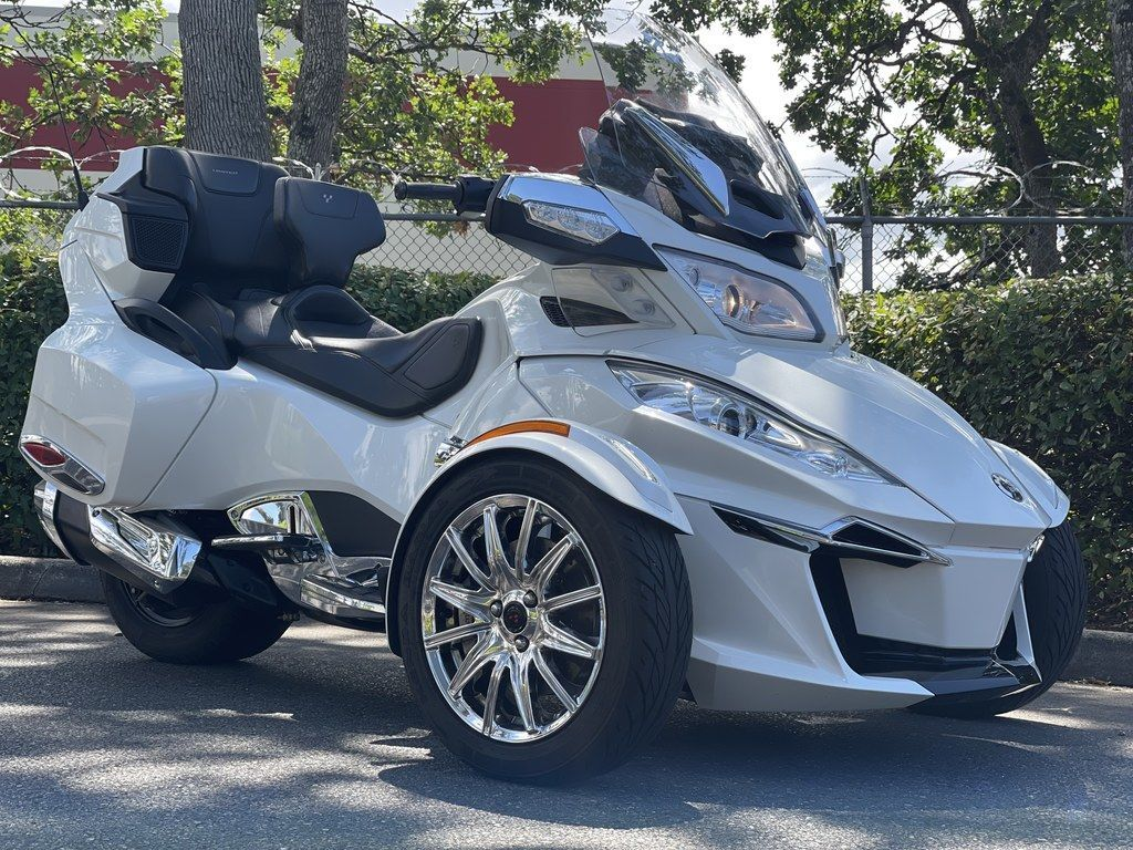 Photo Used 2018 Can-Am Trike Motorcycle  $23999