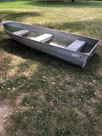 Photo 12 foot Sea Nymph row boat - $400 (Midtown)