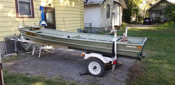 Photo 1439 Jon Boat Motor and trailer - $1,600 (Omaha)