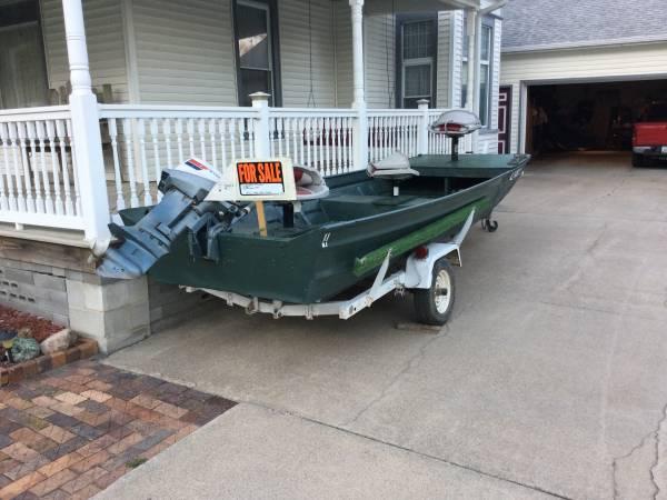 Photo 16 ft flat bottom jon boat wide - $1,500 (Missouri Valley)
