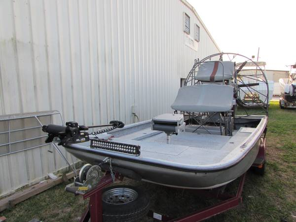 Photo 18 Apache Airboat - $26000 (West Point, NE)