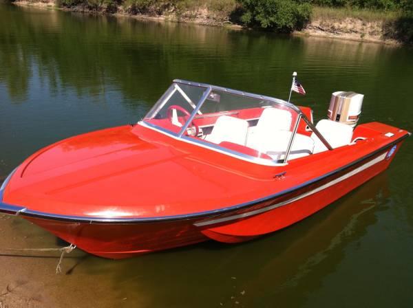 Photo 1968 Chrysler Challenger 151 Boat 75 hp $2,750 OBO - $2750 (Omaha)