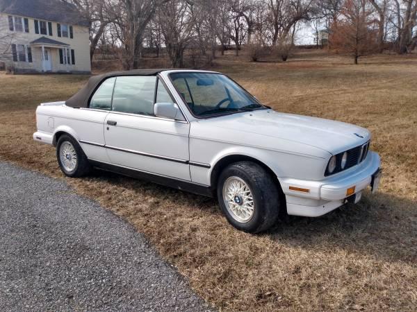 Photo 1988 BMW 325i 5 speed convertible E-30 - $7,600