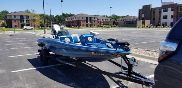 Photo 1989 Thunderbolt 1539 Bass Boat - $4,200 (Omaha)