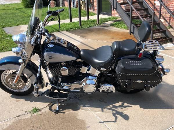 Photo 2002 Harley Davidson Heritage Softail FLSTCI - $7,800 (Norfolk)