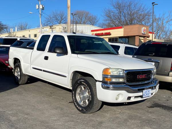 Photo 2004 GMC NEW SIERRA EXT. CAB LONG BED 4WD - BUY HERE PAY HERE (Eckley Auto Brokers 42nd  D St)