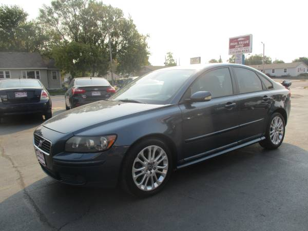 Photo 2005 Volvo S40- Leather, Sunroof EASY BUY HERE PAY HERE FINANCING (400 N 16th St)