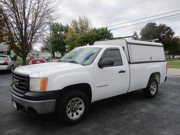 Photo 2007 GMC New Sierra 1500- 2wd, Topper EASY BUY HERE PAY HERE FINANCING (225 S 35th St)