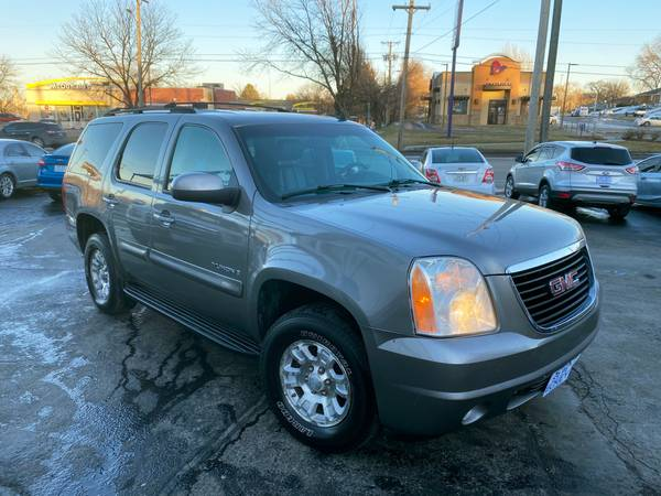 Photo 2007 GMC YUKON SLT 4WD - BUY HERE PAY HERE (Eckley Auto Brokers 42nd  D St)