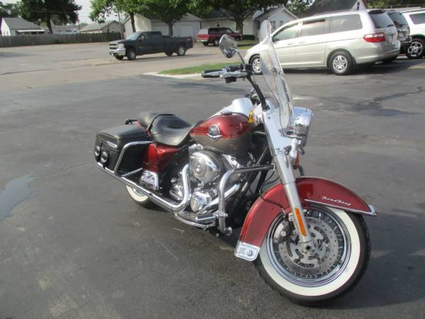 Photo 2009 Harley-Davidson Road King Classic- BUY HERE PAY HERE FINANCING (400 N 16th St)