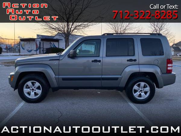 Photo 2012 Jeep Liberty Sport 4WD - $7,995 (Council Bluffs, Iowa)